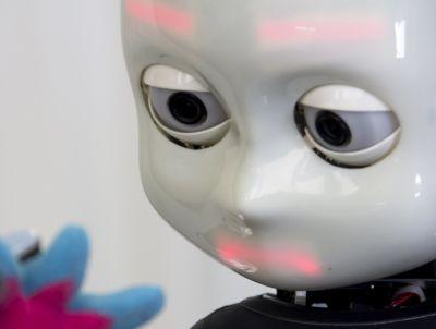 Gli ordinateur avranno un'anima? - Pagina 2 Robot-bambino-icub